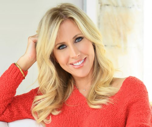 photograph of author and WFU alumna, Emily Giffin